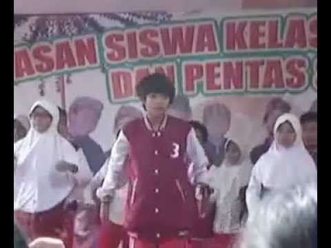 IQBAAL DHIAFAKRI RAMADHAN Dance