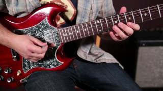 """Top 3 Instantly Recognizable """"Clapton"""" Style Guitar Riffs"""
