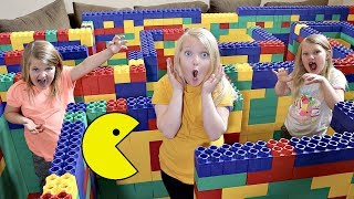 Download PAC-MAN in a Giant LEGO MAZE! Video