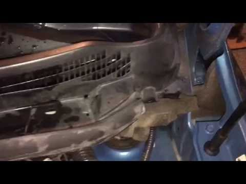 Nissan Versa Note Washer Nozzle Failure with replacement procedure