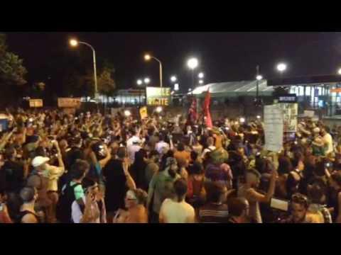 Flag burn fail as Berners save the stripes at DNC protest
