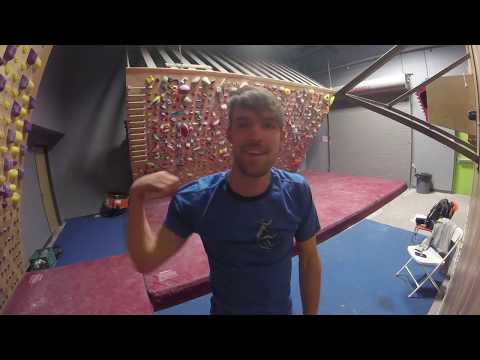 Vlog 10 - Training for a one arm pull up (part 1)