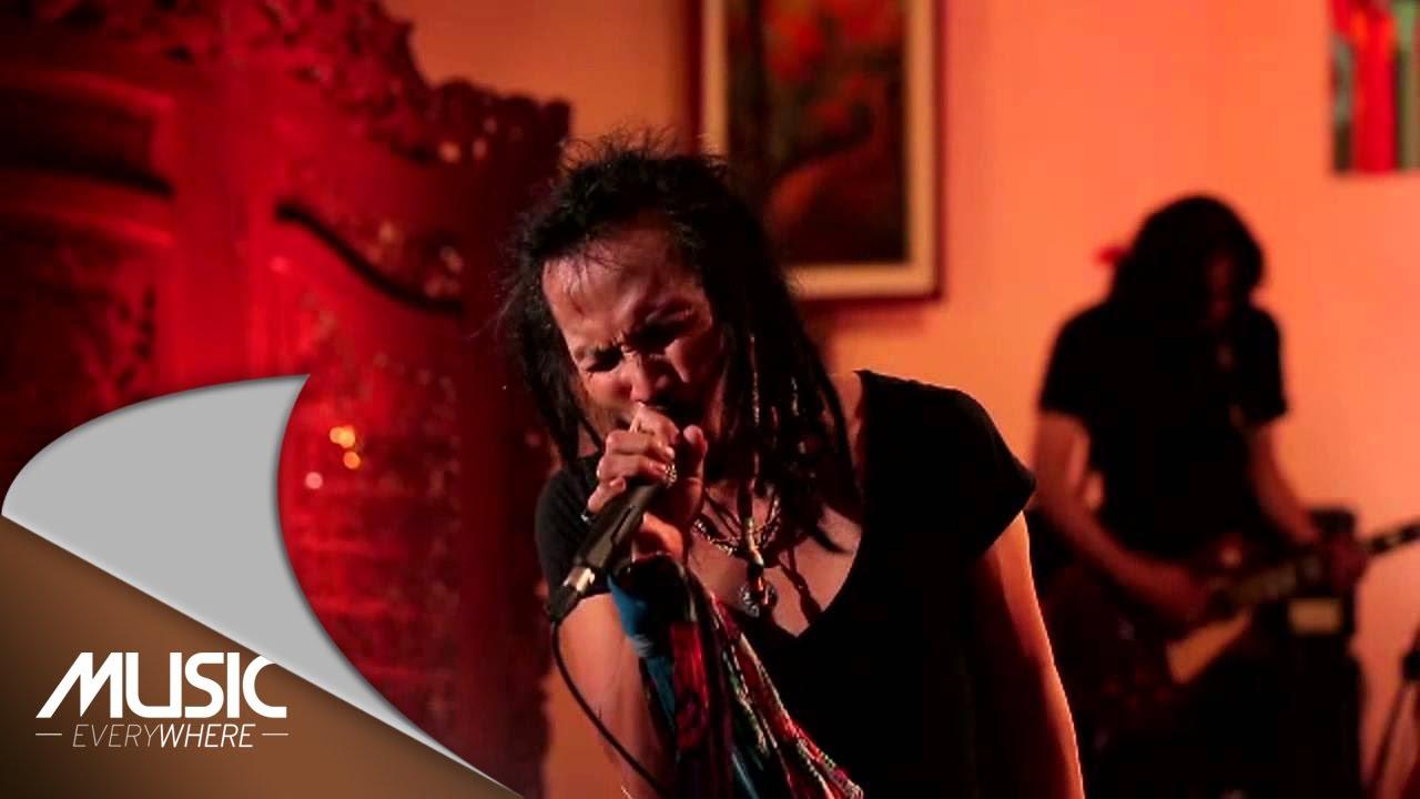 Download Ipang Lazuardi - Ada Yang Hilang - ft. Didit Saad (Live at Music Everywhere) * MP3 Gratis