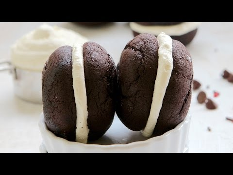 Classic Chocolate Whoopie Pies Recipe - Hot Chocolate Hits