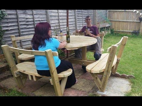 How to make a DIY 8 seater garden bench: Easy Garden project for YOUR garden or backyard | Brainfizz