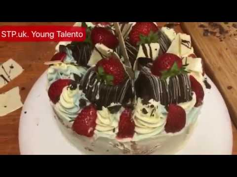 How to decorate strawberry gateau