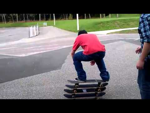 Funny Skateboard Nut Shot (EPIC)