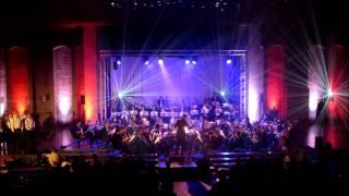 "Harmonie St. Jozef Kaalheide o.l.v. Björn Bus speelt ""United States Weaves"" van Gert Buitenhuis.  De opname werd gemaakt tijdens het Oranjeconcert ""American Salute"" op 27 april 2015 te Kerkrade."