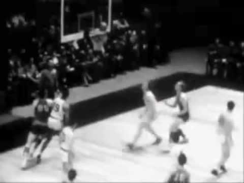 Legendary Basketball Centers - Art of the Hook Shot