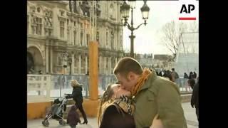 People kissing in Paris on Valentine