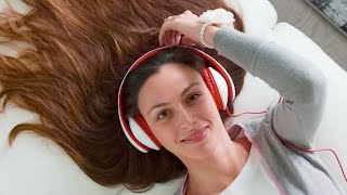 'Talking To Women With Headphones' Blog PISSES OFF INTERNET | What's Trending Now