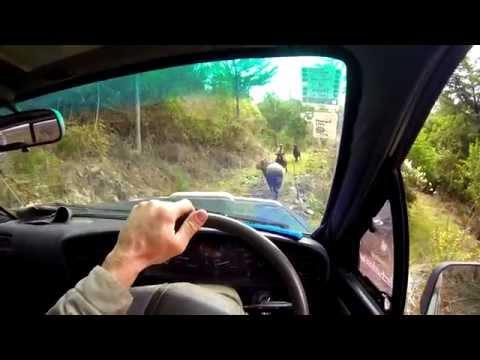 Angry Ram VS Toyota Hilux - Thug Life Edition