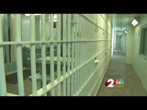 Mandatory jail or rehab for drug offenders