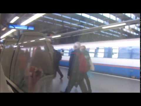 700 departing from St Pancras platform 1
