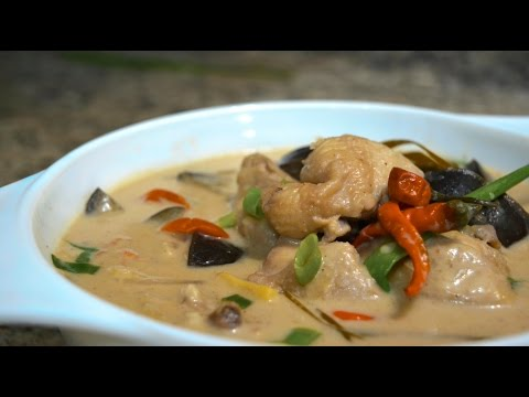 Filipino Recipe: Ginataang Manok ( Spicy Chicken in Coconut Milk )