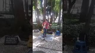 James Marçal - Sultans of Swing - Dire Straits - Apresentação de rua em Curitiba- Paraná - Brasil