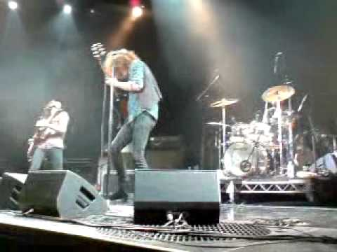 The Joker And The Thief (Wolfmother live Hobart 28/3/2012)