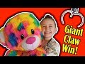 Winning the Giant Claw Machine, First Try!