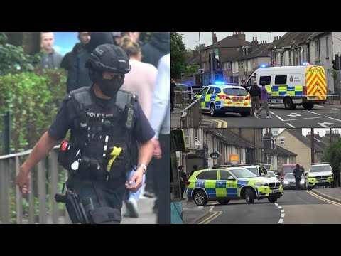 Armed Police Operation: Helicopter, Firearms Officers and Police cars!