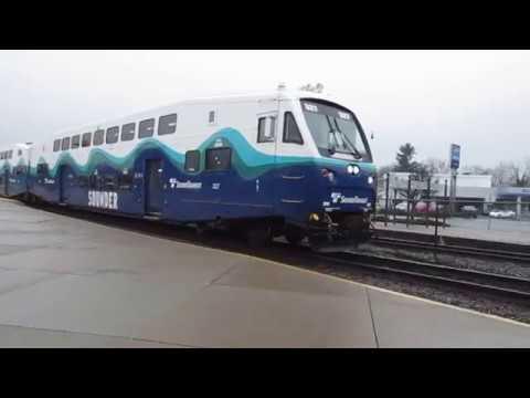 Sounder train leaving Sumner