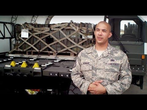 U.S. Air Force: Aircraft Loadmaster
