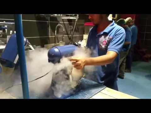 Liquid nitrogen ice cream making video