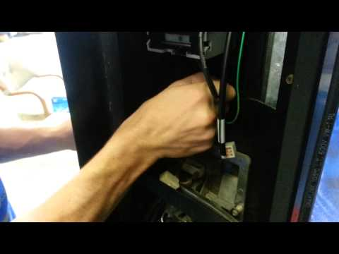 Fix bill acceptor for vending machine