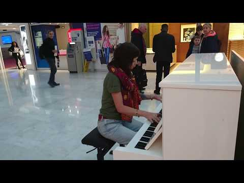 Tribute: The Cranberries - Zombie in airport Charles de Gaulle - Paris