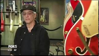 Famous NYC guitar store closes