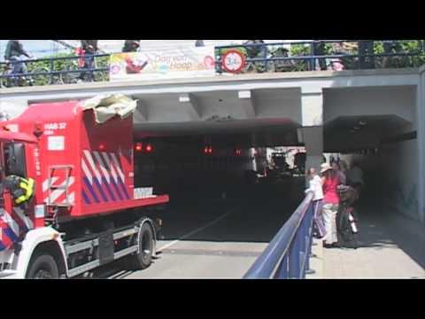 RTV Dordrecht: Brandweer ramt viaduct Krispijnsetunnel