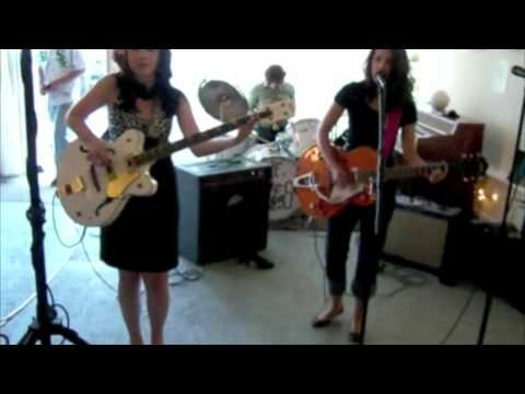 The Dyes perform at the Show n Tell's last concert