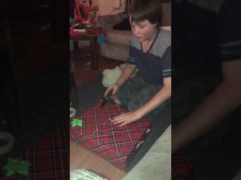 13 Year Old Gets PS4 For Christmas!