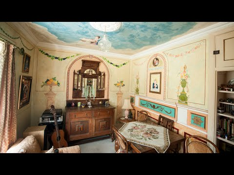 Man Transforms Council House Into Renaissance Art