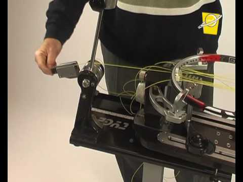 Stretch mechanism for manual stringing machine