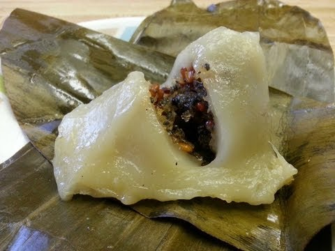 How to make Num Koum (Glutinous rice dumplings filled with sweet coconut, basil seeds and peanuts)