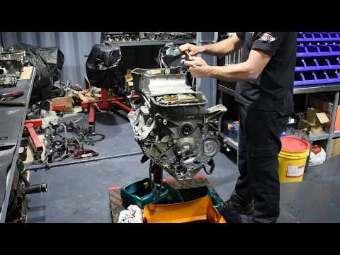 M156 C63 2014 Engine rebuild ( part 2 )