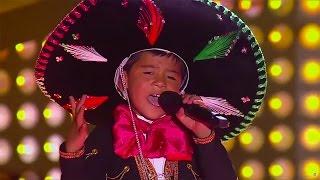Óscar sings