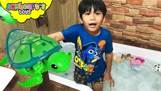 Bathtub Swimming with BABY TURTLES !! Little Live Pets and Animals Sea Turtle toys kids children