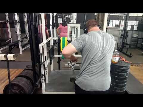 Brutal Iron Gym - Belt Squat Rows (see description)