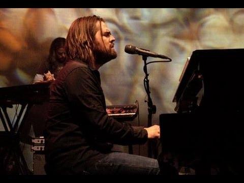 Anjo canta com Jason Upton em gravação da música Fly (Voar) - Legendado