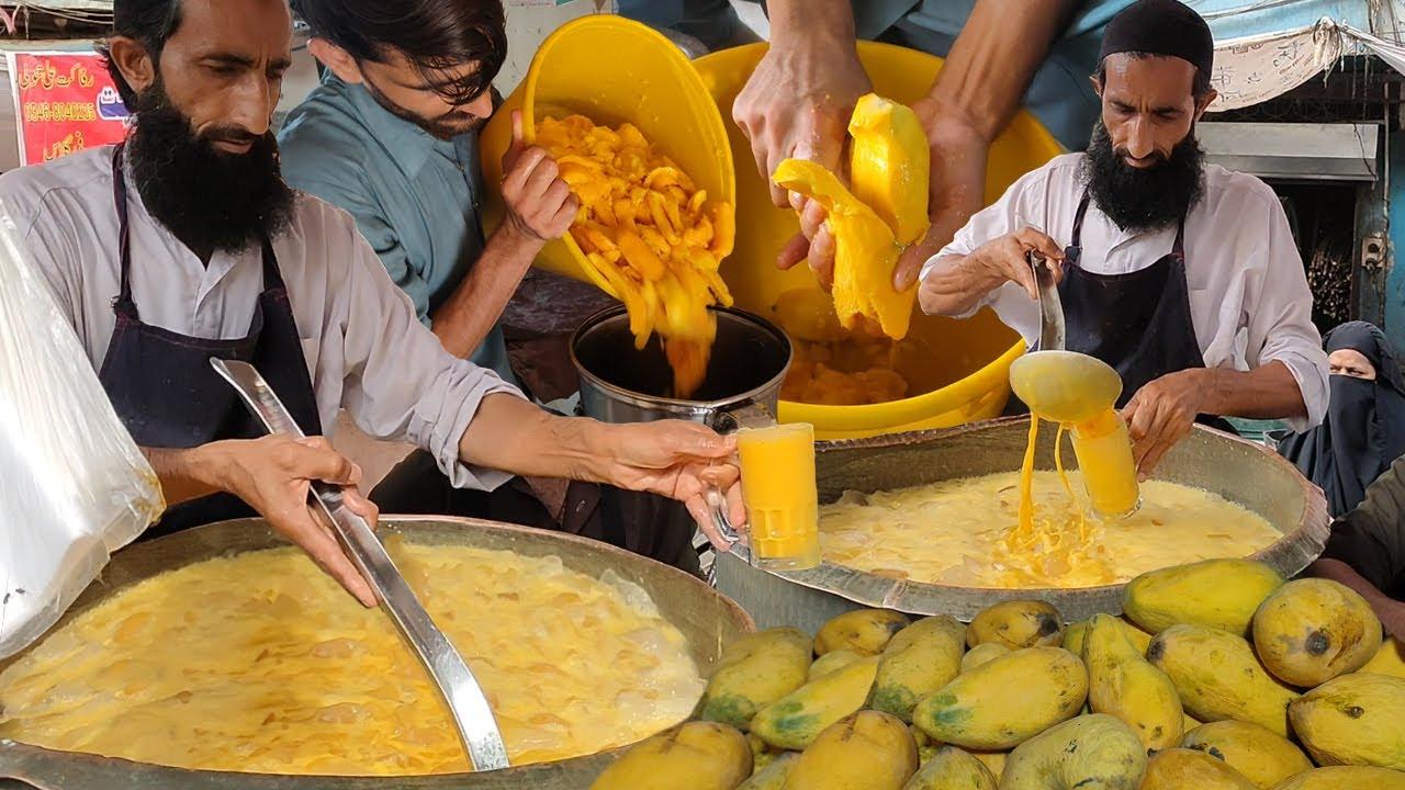 Original Mango Juice 🥭 Summer Special Drink Fresh Mango Milkshake | Karachi Street Drink Aamras