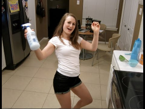 How To Make Your Own Febreze For 10 Cents A Bottle!!!