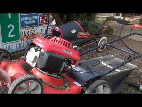 7 MINUTE Engine SWAP on a JUNKYARD Lawnmower! By Jeff.  HONDA engine, TROY-BILT frame