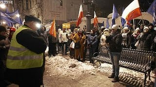 Will postponing parliament end Poland