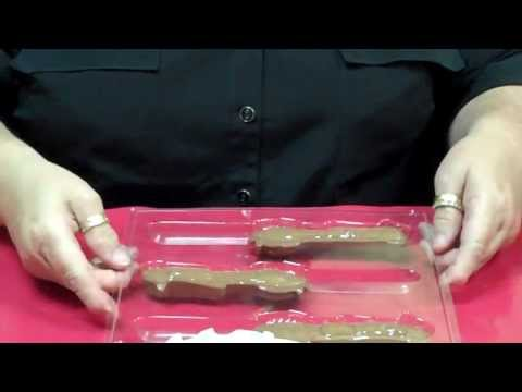 How to make Turkey Pretzel Pops