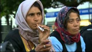 London: Romanian Gypsies - Homeless urged to leave the city