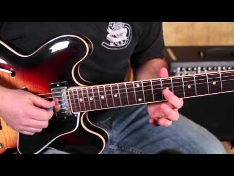 Blues Rock Guitar Soloing Lesson - Spice up Minor Pentatonic Scale - add 9