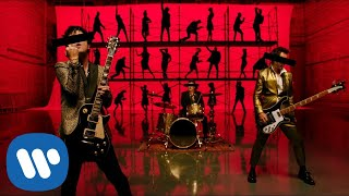 Green Day - Father Of All… (Official Music Video)