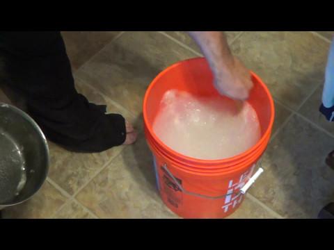 How to make Homemade Liquid Laundry Detergent