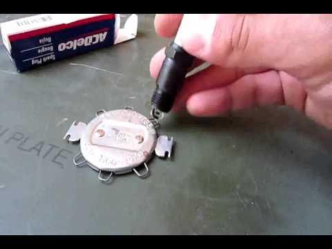 Spark plug gap, setting and checking the gap